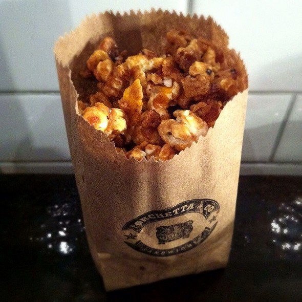 Cracklin Caramel Corn