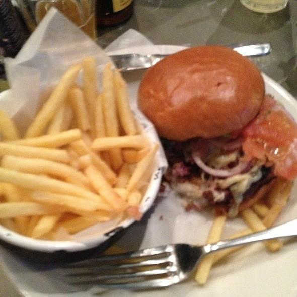Cheeseburger @ Byron Burger