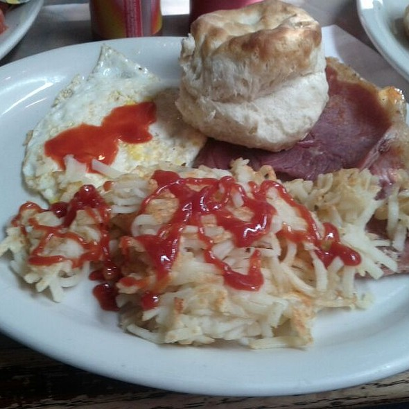 Country Ham with Eggs and Hash Browns @ Glen Alpine Depot