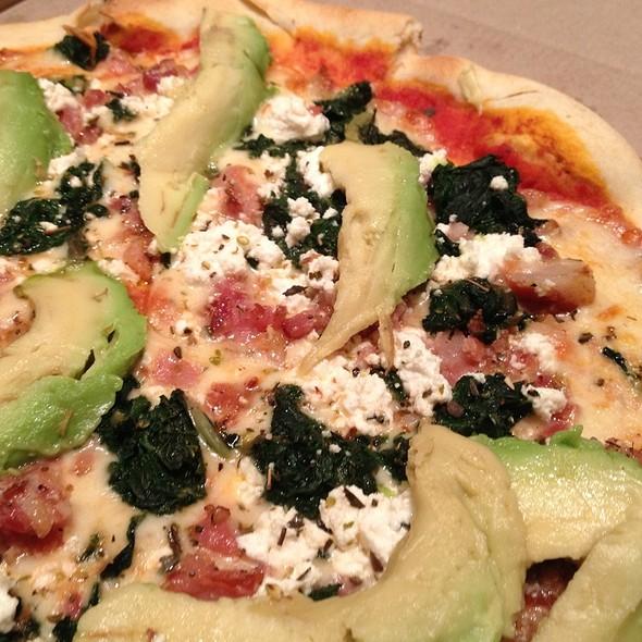 La Med Pizza