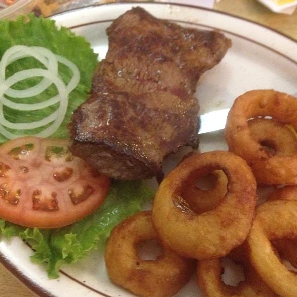 Sirloin Steak @ Tom & Ray's Restaurant