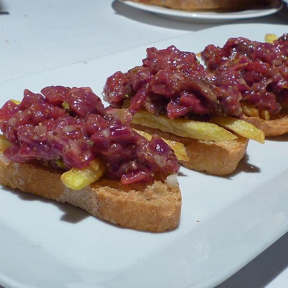 Montadito de Steak Tartar  @ Askua