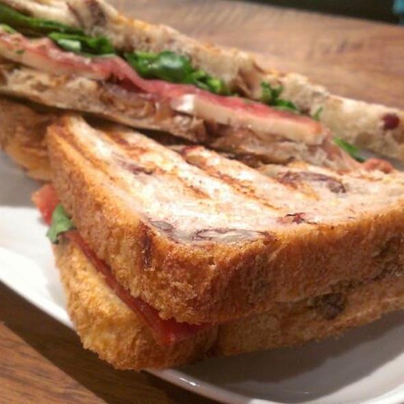 Prosciutto & Fig Sandwich