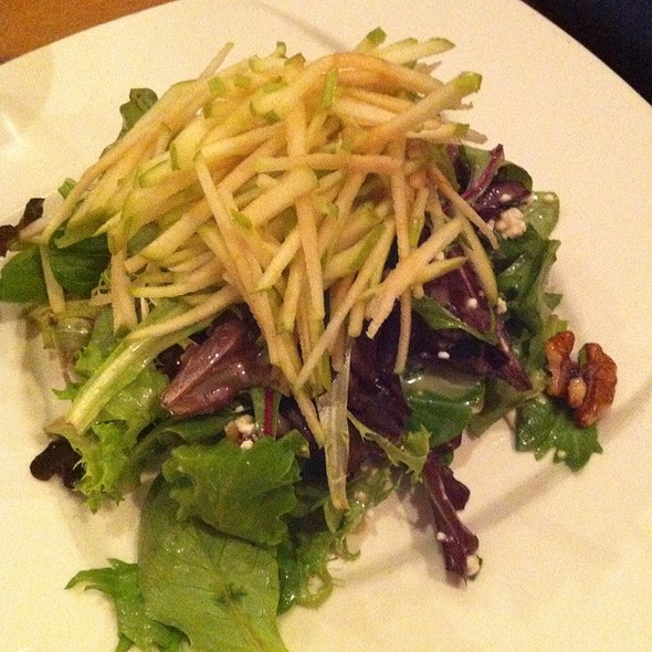 Salad With Apple And Goat Cheese - River Grille, Easton, PA