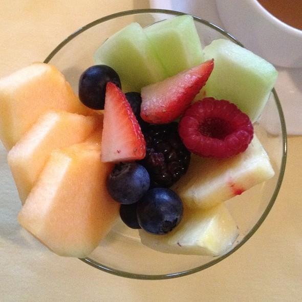 Fruit Bowl - Inn on the Twenty, Jordan, ON