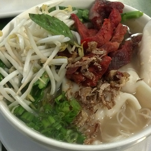 Roast Pork and Chicken Dumpling Noodle Soup