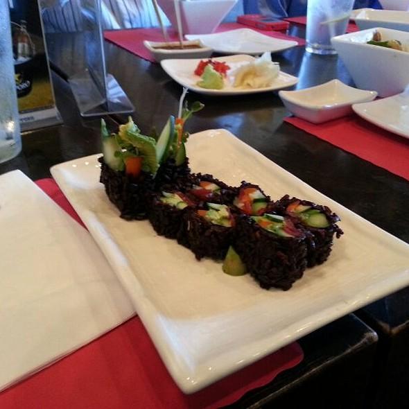 Veggie Roll @ Izakaya Sushi Ran