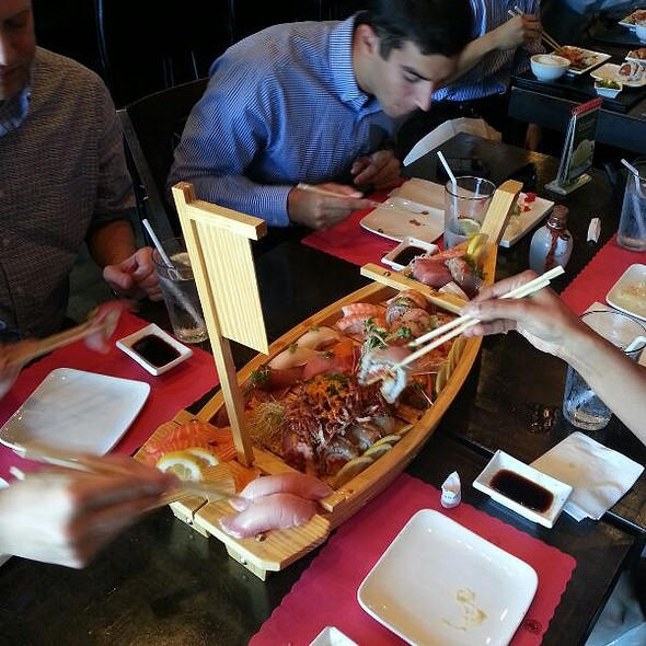 Sushi Boat @ Izakaya Sushi Ran