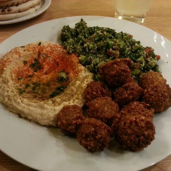 Falafel Plate @ Hummus Bar (Hollan Erno U.6)
