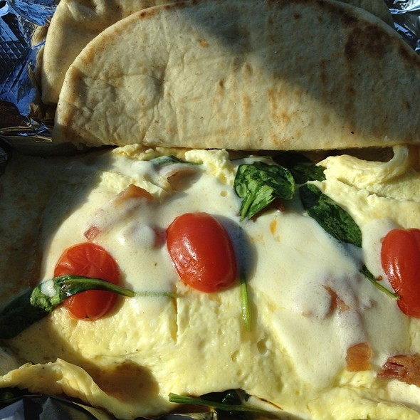 Omelet - Spinach, Tomato, & Mozzarella Cheese