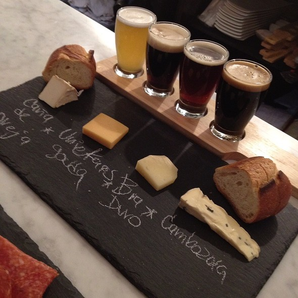 Beer Flight And Cheese Pairing @ Astoria Bier and Cheese