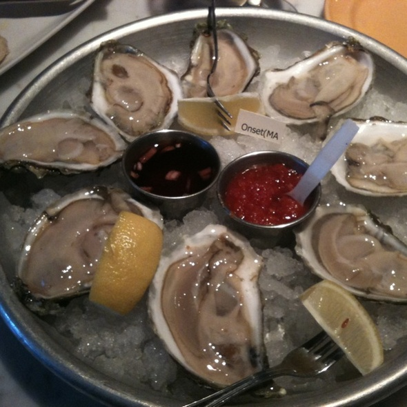 Oysters - Elm Street Oyster House, Greenwich, CT