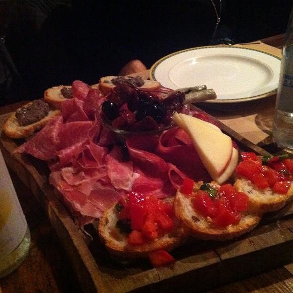 Antipasto Toscano @ Osteria Simon Boccanegra