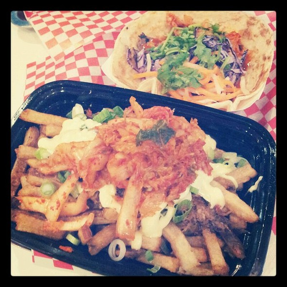 Kimchi Fries With Beef