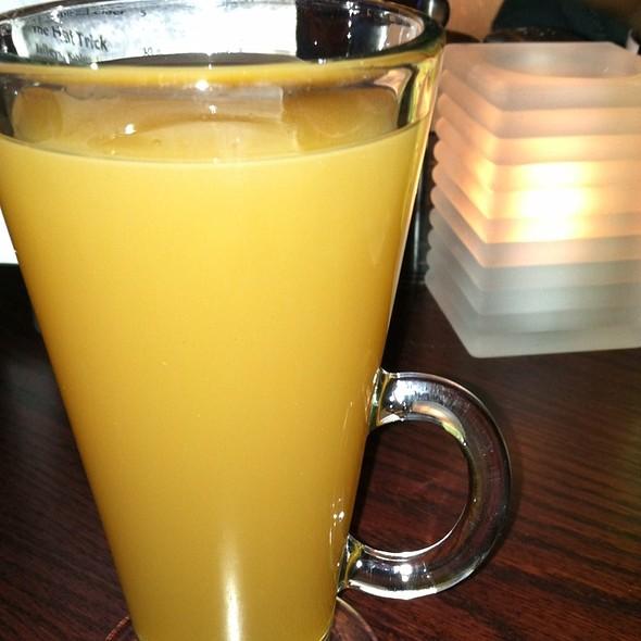 Spiced Apple Cider - Tony & Joe's Seafood Place, Washington, DC