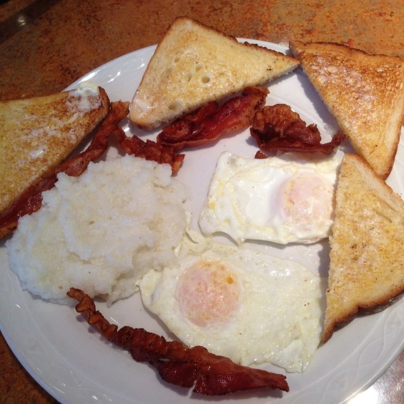 Eggs, Bacon, Grits, & Toast Breakfast Special