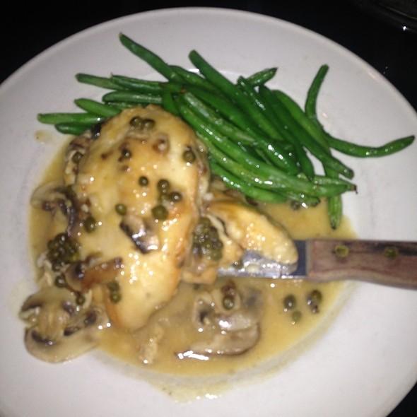 Chicken Picatta - Cosi Cucina Italian Grill, Clive, IA