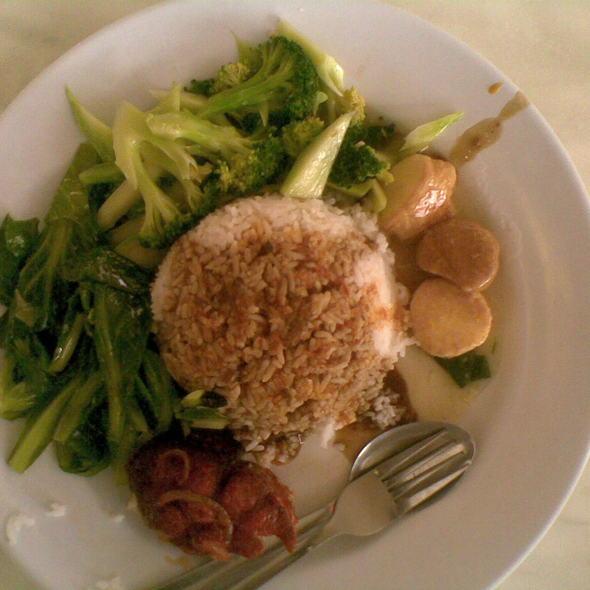 White Rice With Stir-Fried Broccoli, Stir-Fried Kailan and Tofu @ Rasa Food Court