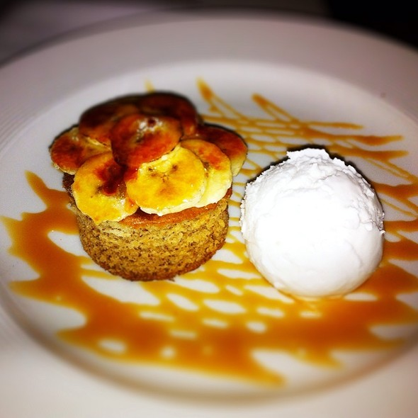 Caramelized Banana Cake - Tir na nOg Irish Bar & Grill - MSG, New York, NY