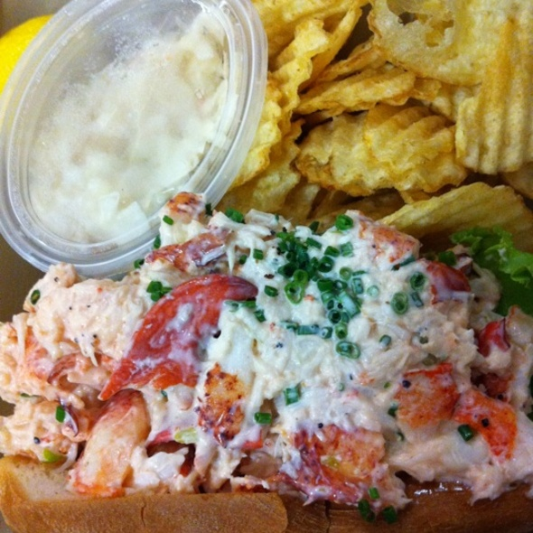 Lobster Roll (Sandwich) @ Chelsea Market