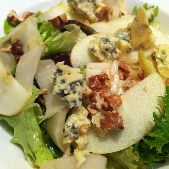 Endive Salad, Walnuts, Apples, Blue Cheese @ Bistro Du Vin (Zion Road)