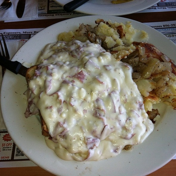 Creamed Chip Beef And Home Fries @ Maurice River Diner