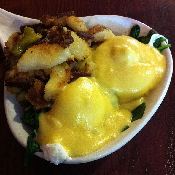 Eggs Florentine @ The Daily Grind