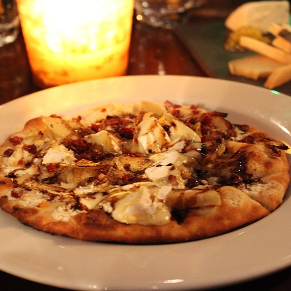 Wild Forest Mushroom Flatbread @ The Hidden Vine
