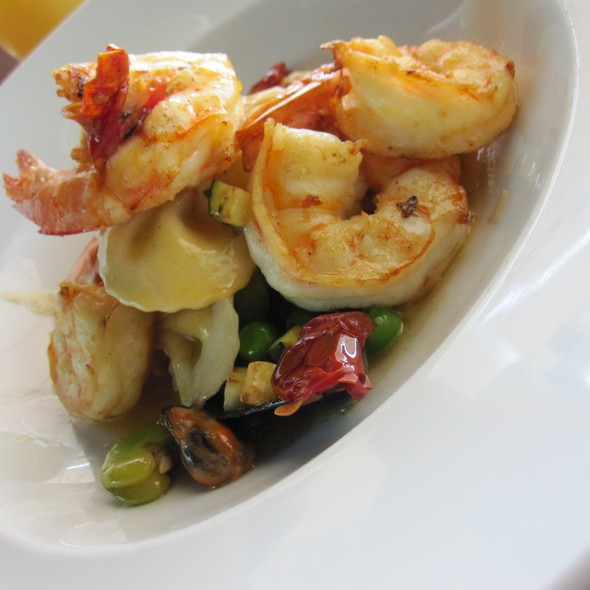 Grilled Queensland prawns with mussels, zucchini, broad beans, peas, tomato, pasta bows and lemon butter @ Cafe Sydney