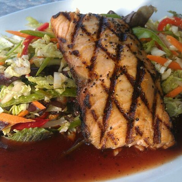 Grilled Salmon Salad @ Libby's Cafe + Bar
