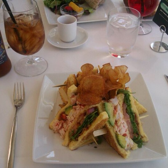 Lobster Club @ The Rotunda at Neiman Marcus