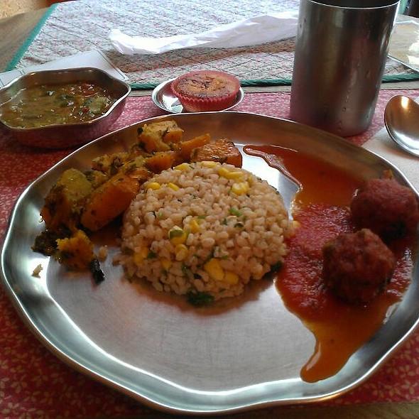 Comida Vegetariana @ Gopala Madhava