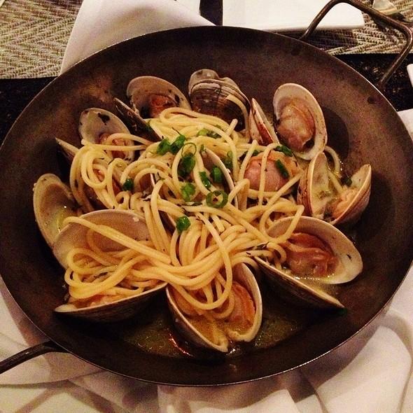 Spaghetti alla Vongole - Amelia's Trattoria, Cambridge, MA