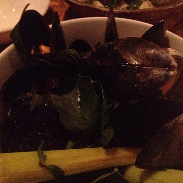 Steamed Mussels With Lemongrass - Maenam, Vancouver, BC