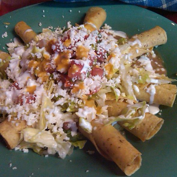 Tacos @ Mama Testa