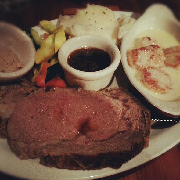 Prime Rib and Scallops @ Henry Loui's Restaurant