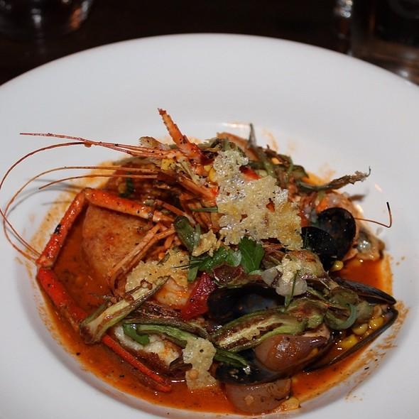 Shrimp & Grits @ Ruxbin Kitchen