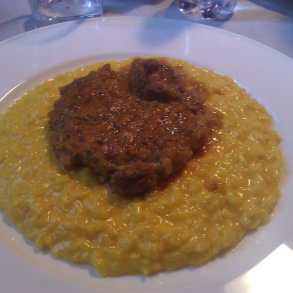 Risotto alla milanese con ossobuco @ Visconti Bakery & Food