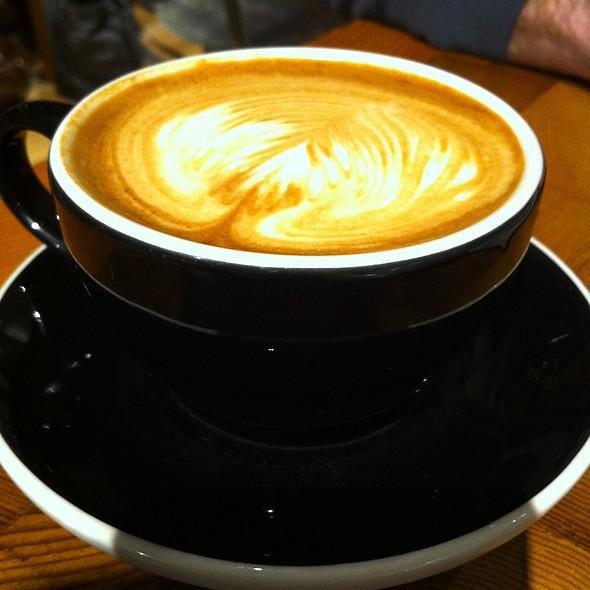 Cappuccino @ Elixr Coffee
