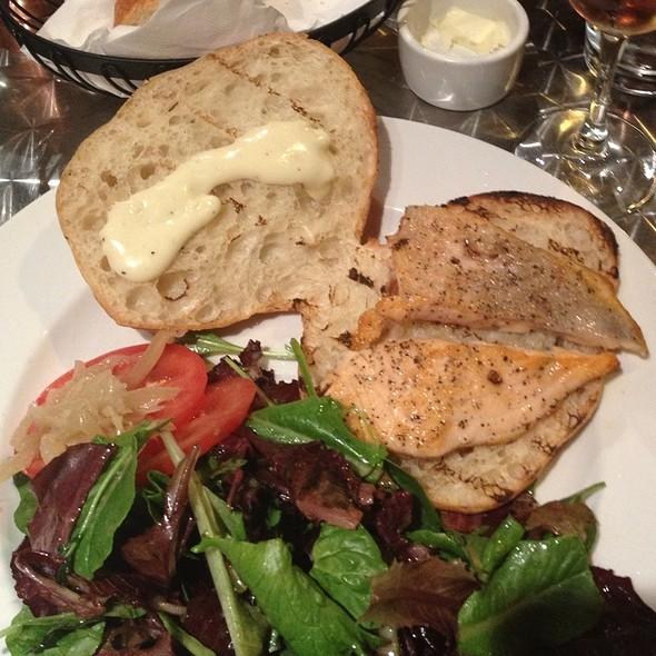 Fish Burger @ Chez Maman West