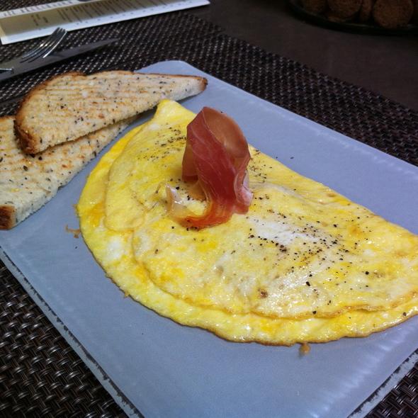 Serrano Ham & Manchego Omelet