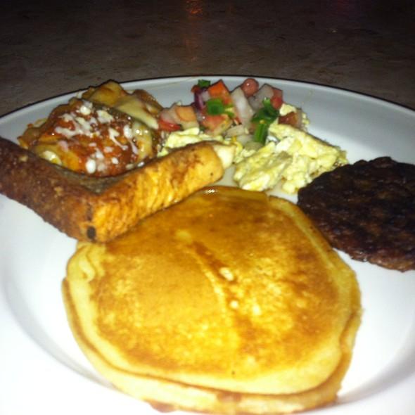 Sunday Brunch Buffet - Cantina Laredo - Austin, Austin, TX