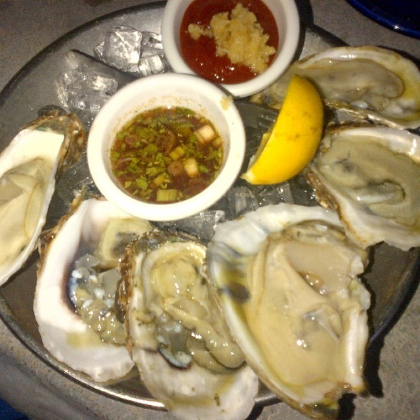 Oysters on the Half Shell - Blue Pointe Oyster Bar & Seafood Grill - Ft. Myers, Fort Myers, FL