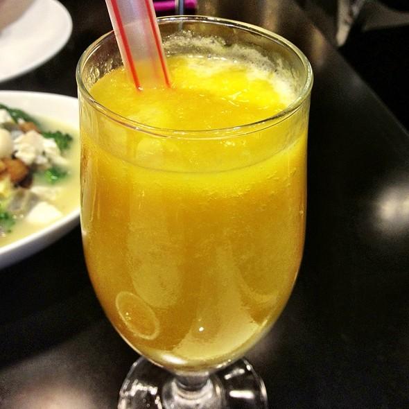 Mango Coconut Milk Drinks @ Lugang Cafe