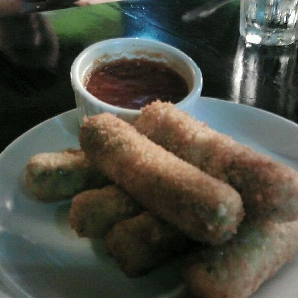 Fried Mozarella Sticks