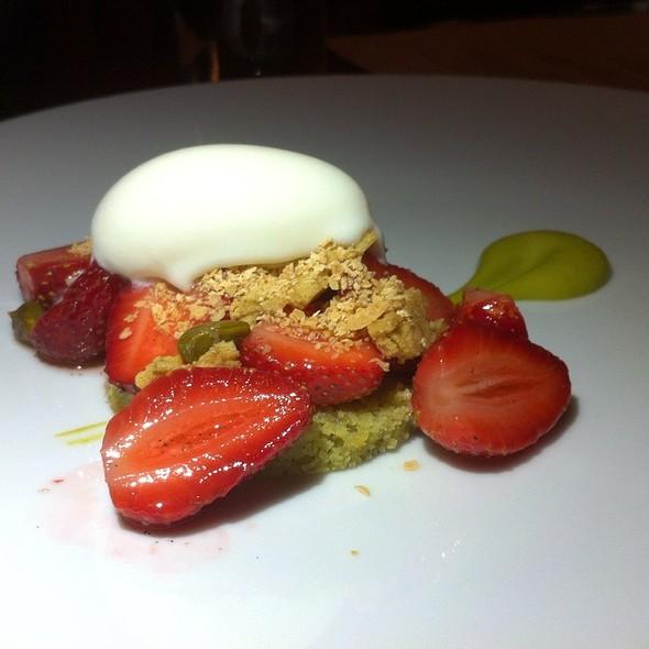 strawberry shortcake @ Caulfield's