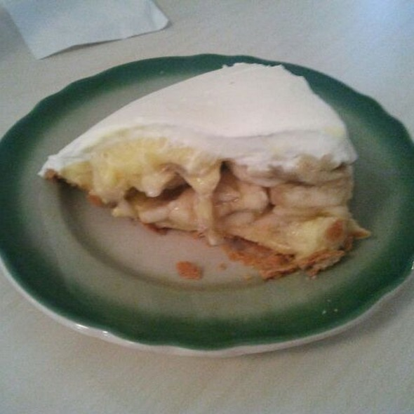 Banana Cream Pie @ Apple Pan