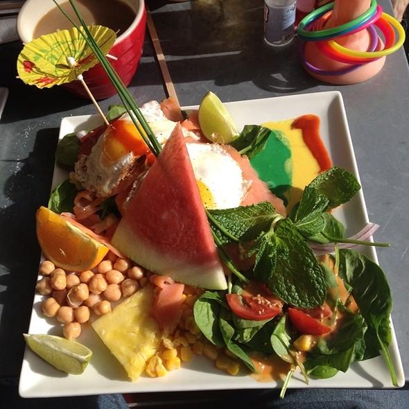 Amazing Flavors. Samon Perfect Sunny Side Eggs Toast Basil Mint Tomatoes