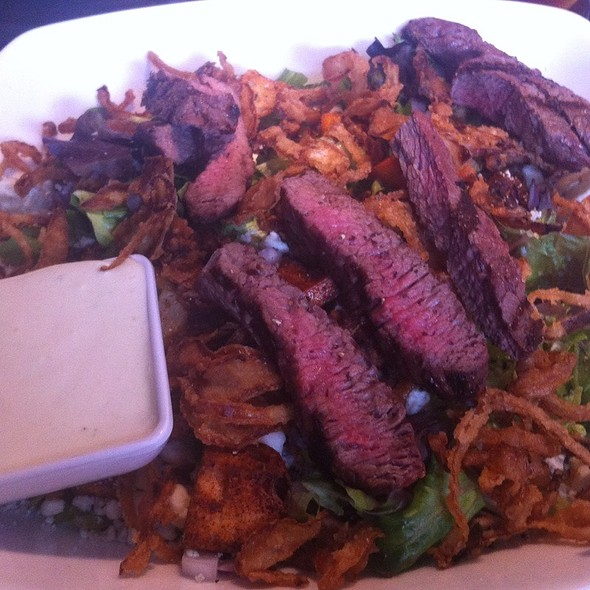 Black And Blue Steak Salad - Grille No. 43, Lake Bluff, IL