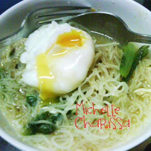 Rice Noodle with Veggies and Egg @ Michelle Charissa Home